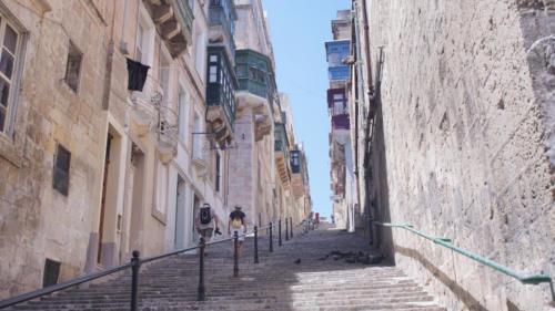 Valletta cestou na hlavní třídu